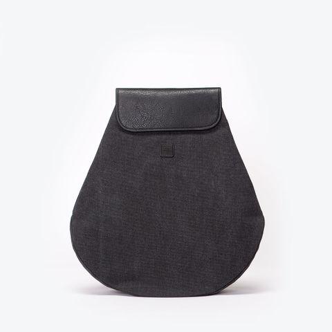 UA-BP-11_Penelope-Backpack_Black_01.jpg