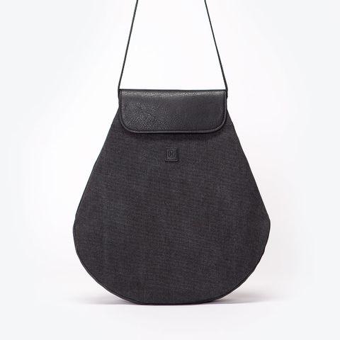 UA-BP-11_Penelope-Backpack_Black_09.jpg
