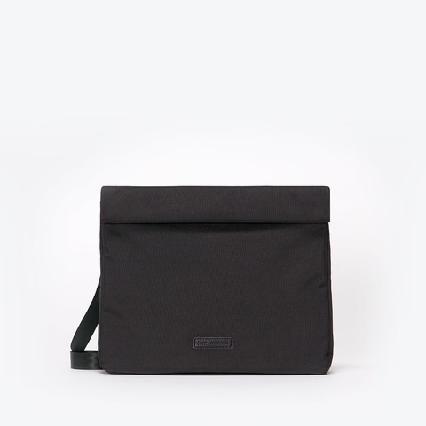 ua_jackie-bag_stealth-series_black_01.jpg