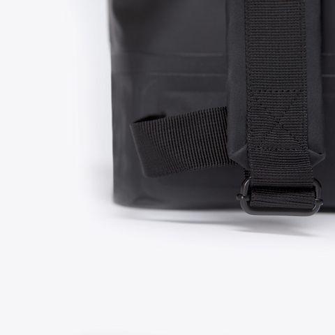 UA_Karlo-Backpack_Seal-Series_Black_06.jpg
