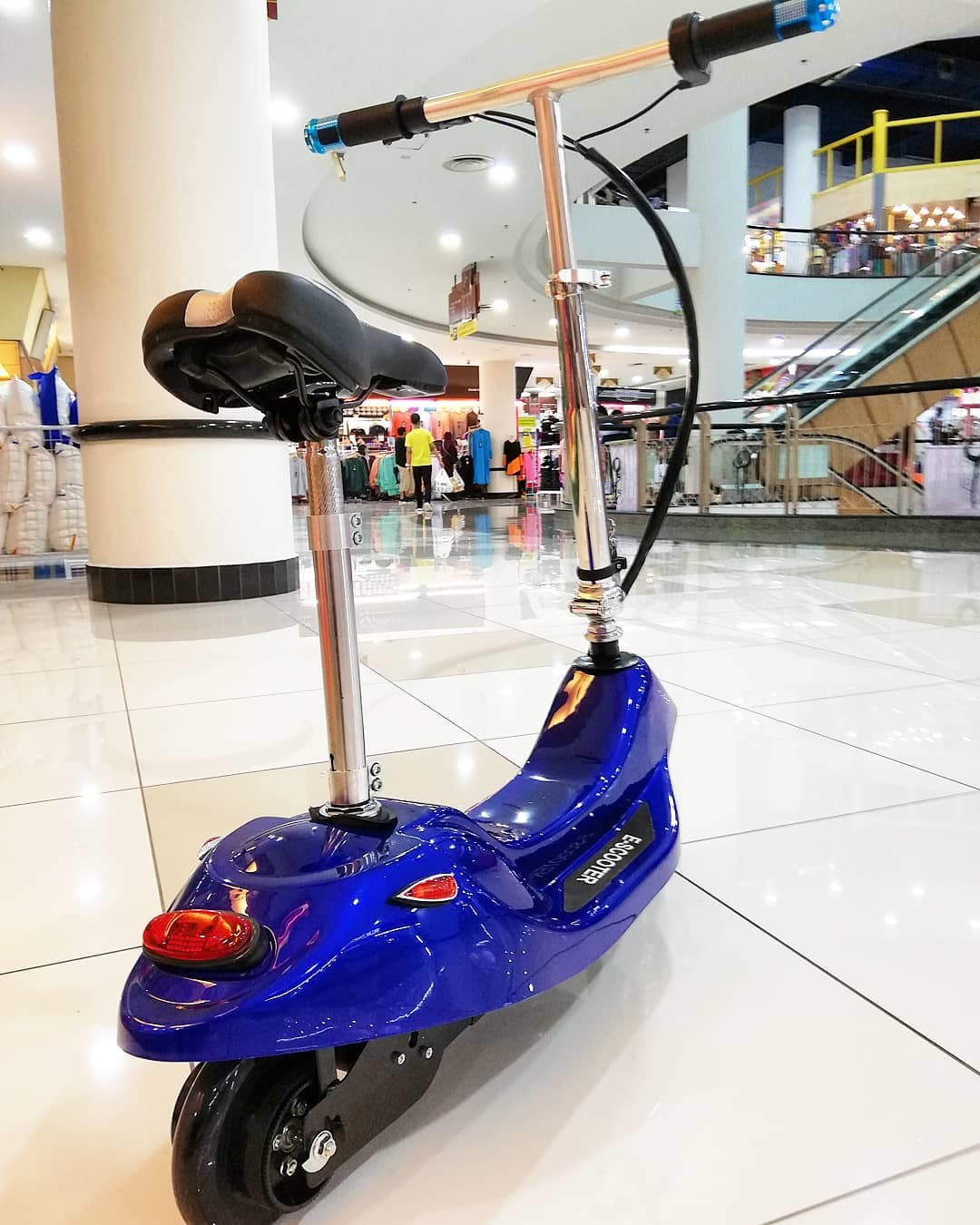 ELECTRONIC SCOOTER BLUE 1.jpg