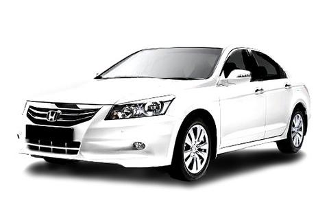 Honda Accord gen8 (white).jpg
