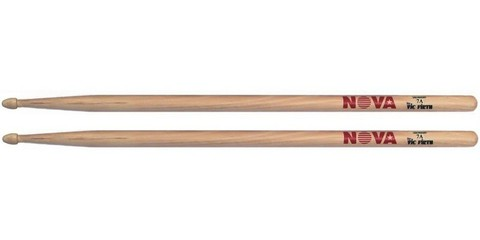 vic-firth-nova-7a-drumsticks-usa-hickory-wooden-tip.jpg