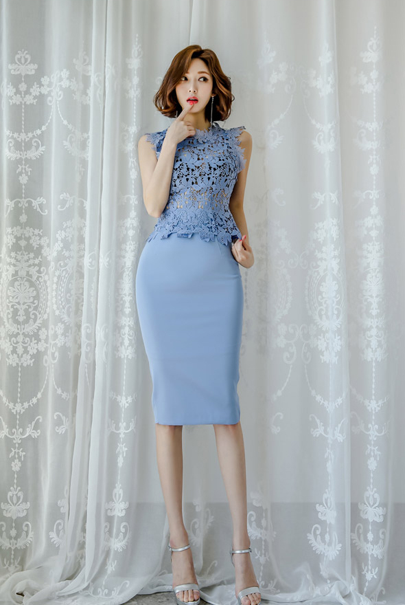 BLUE LACE TOP AND SKIRT.jpg
