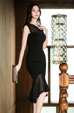 BLACK FISHTAIL SLIM DRESS.jpg