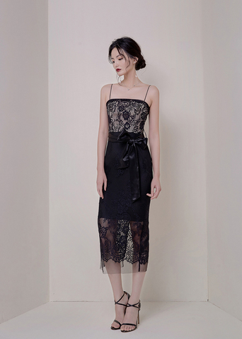 BLACK STRAP LACE SLIM DRESS.jpg