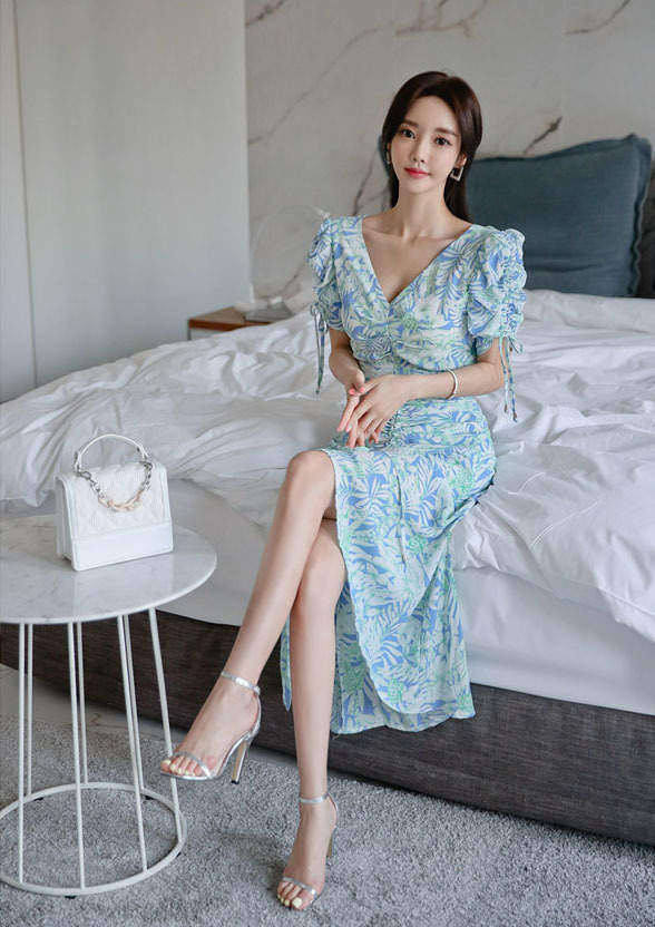 V-neck Slim Pleated Blue-green Dress.jpg