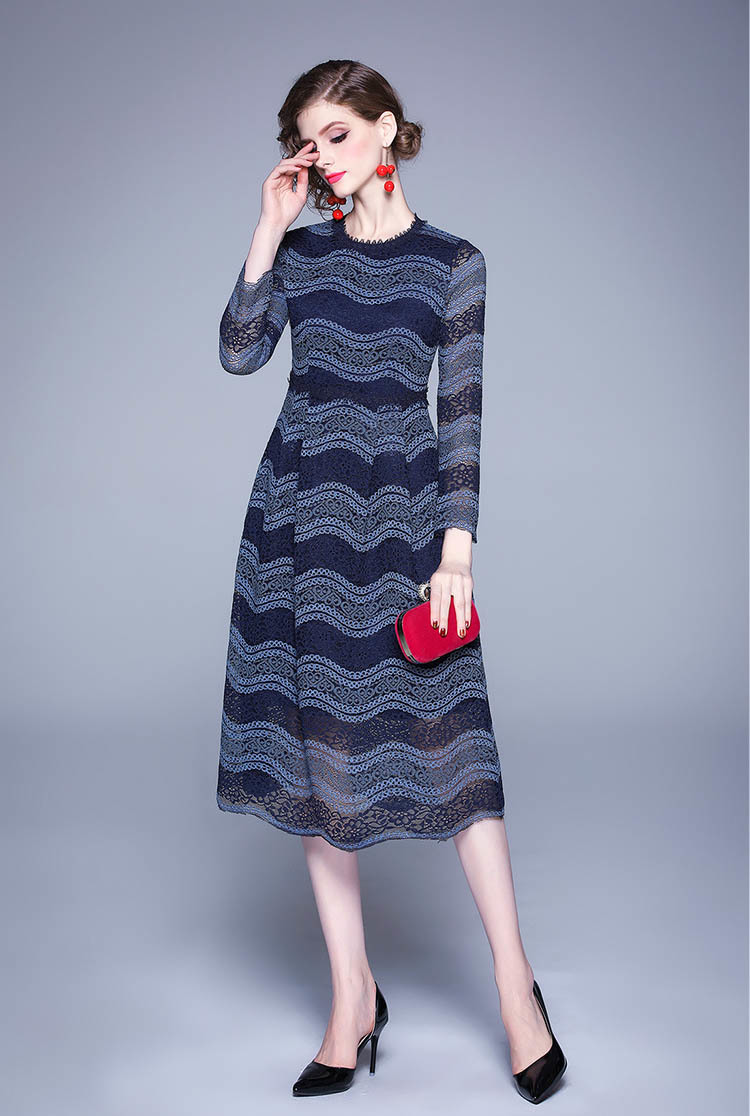 Long-sleeved Color Matching Lace Midi Dress.jpg