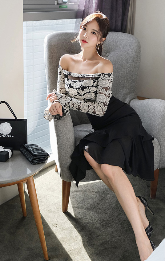 Off Shoulder Top + Black Slim Skirt.jpg