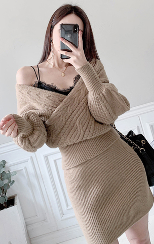 V-neck Woolen Sweater + Mini Skirt Set.jpg