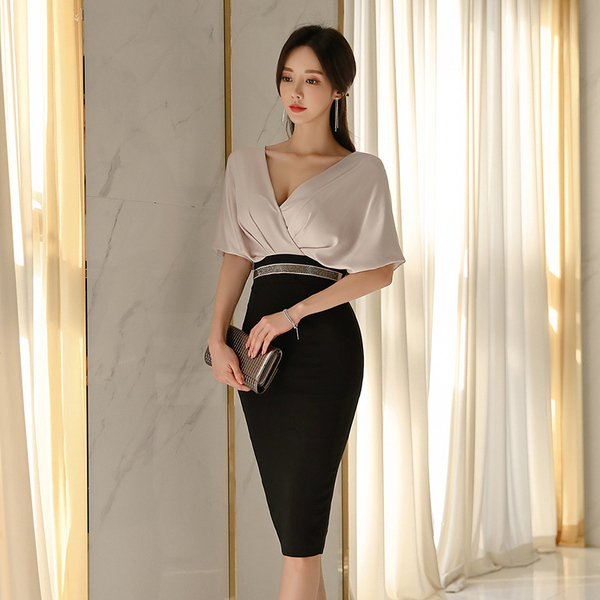 V-neck Black Splicing Slim Dress.jpg