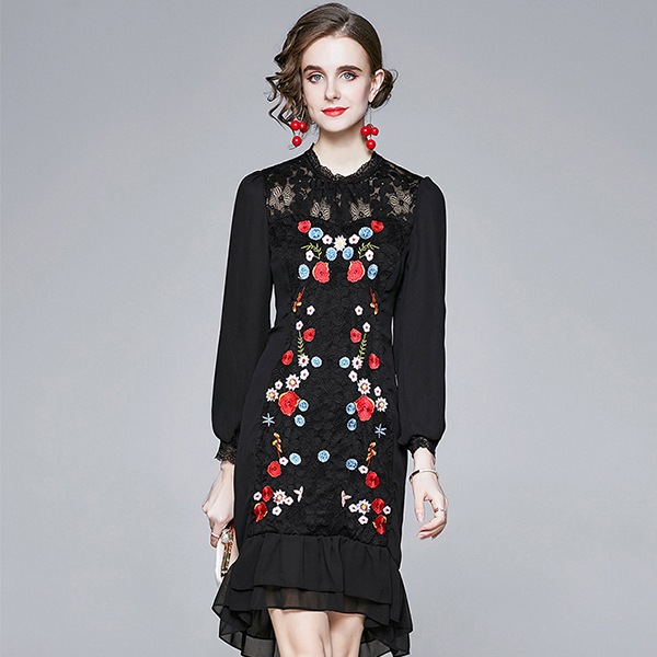 Black Embroidery Lace Wave Dress.jpg
