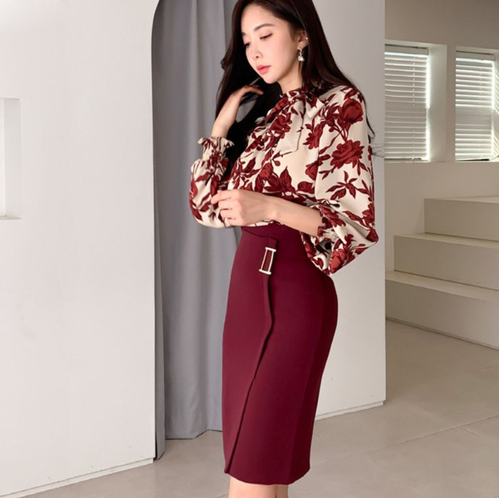 Lace-up Printed Top + Skirt Suit Set.jpg
