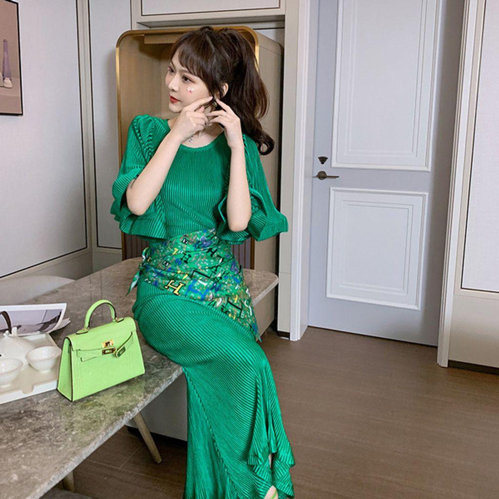 Round Neck Flared Sleeve Dress-Green dress.jpg
