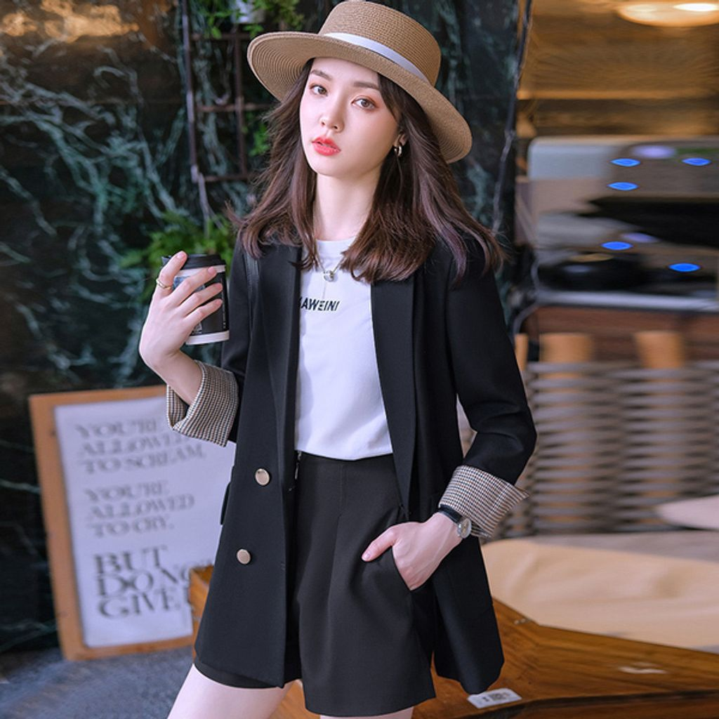 Casual Loose Women's Jacket-Black color- Her Fashion Boutique.jpg