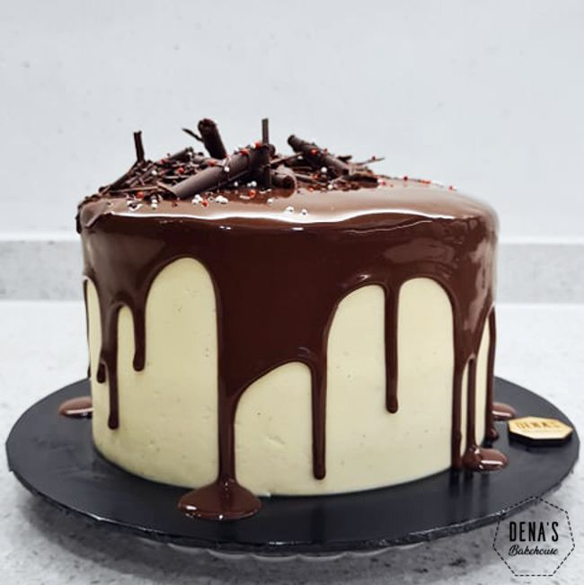Dena's Bakehouse | Featured Collections - CAKES