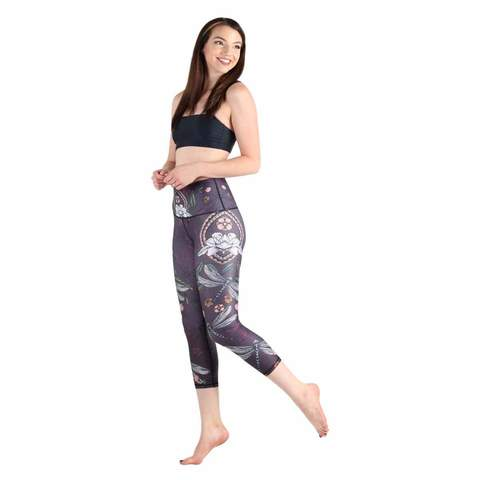 yoga_crop_womens_leggings.jpg