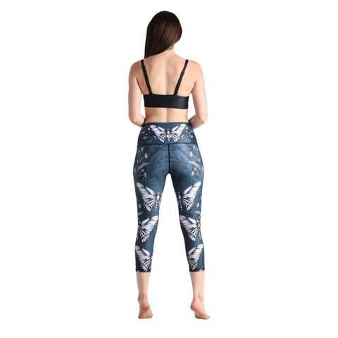 hot-yoga-crops-leggings-3-min_a46acabb-03aa-4a7f-a57e-79ced4f51fb1.jpg