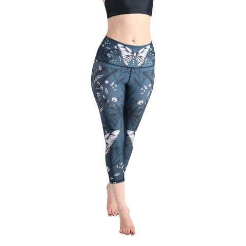 hot-yoga-crops-leggings-min_0b5c8074-a412-4418-b6a0-b38976ed8917.jpg