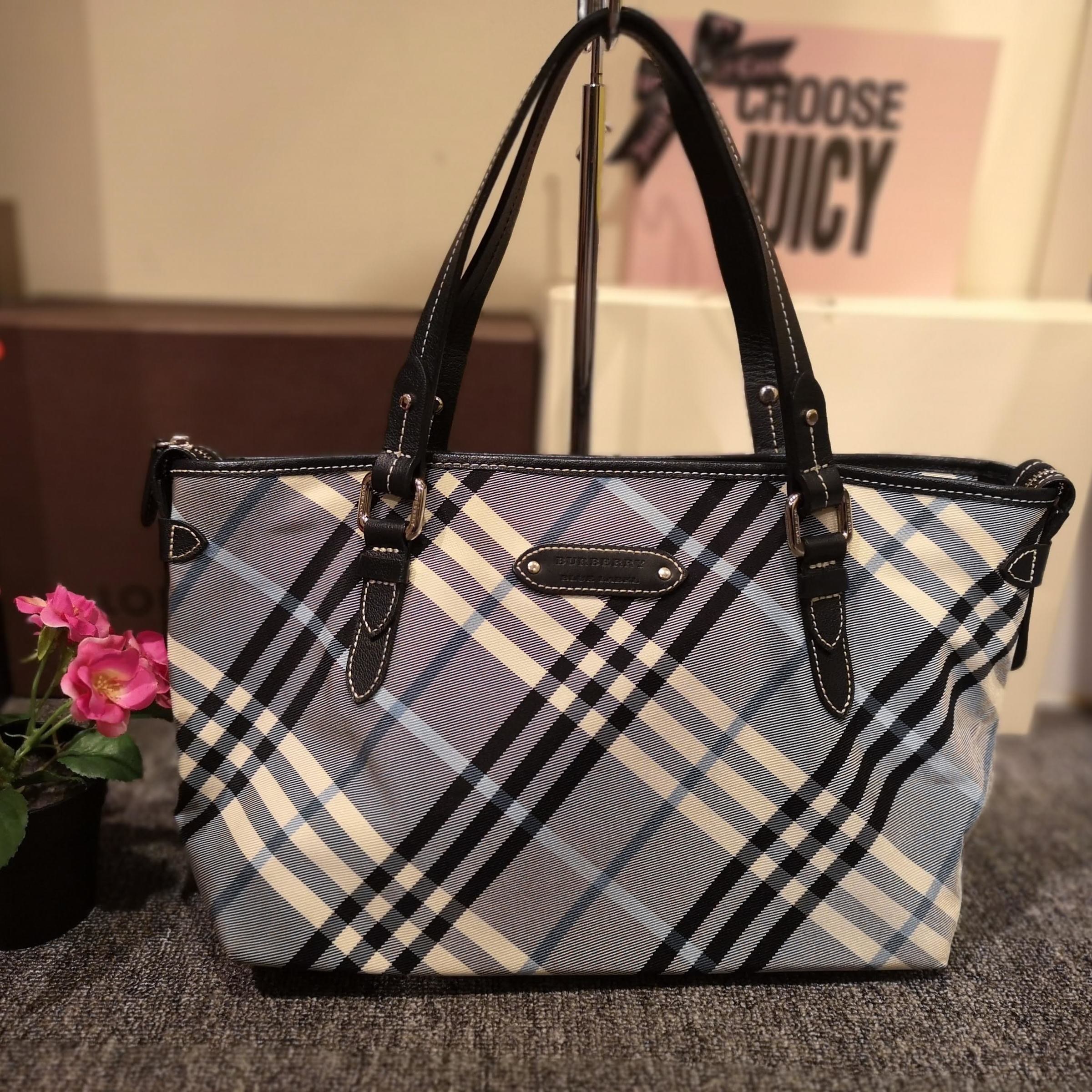 Home › Burberry Blue Label Check Medium Zip Tote. burberrybluelabelziptote  (6).jpg 1f1028642b304