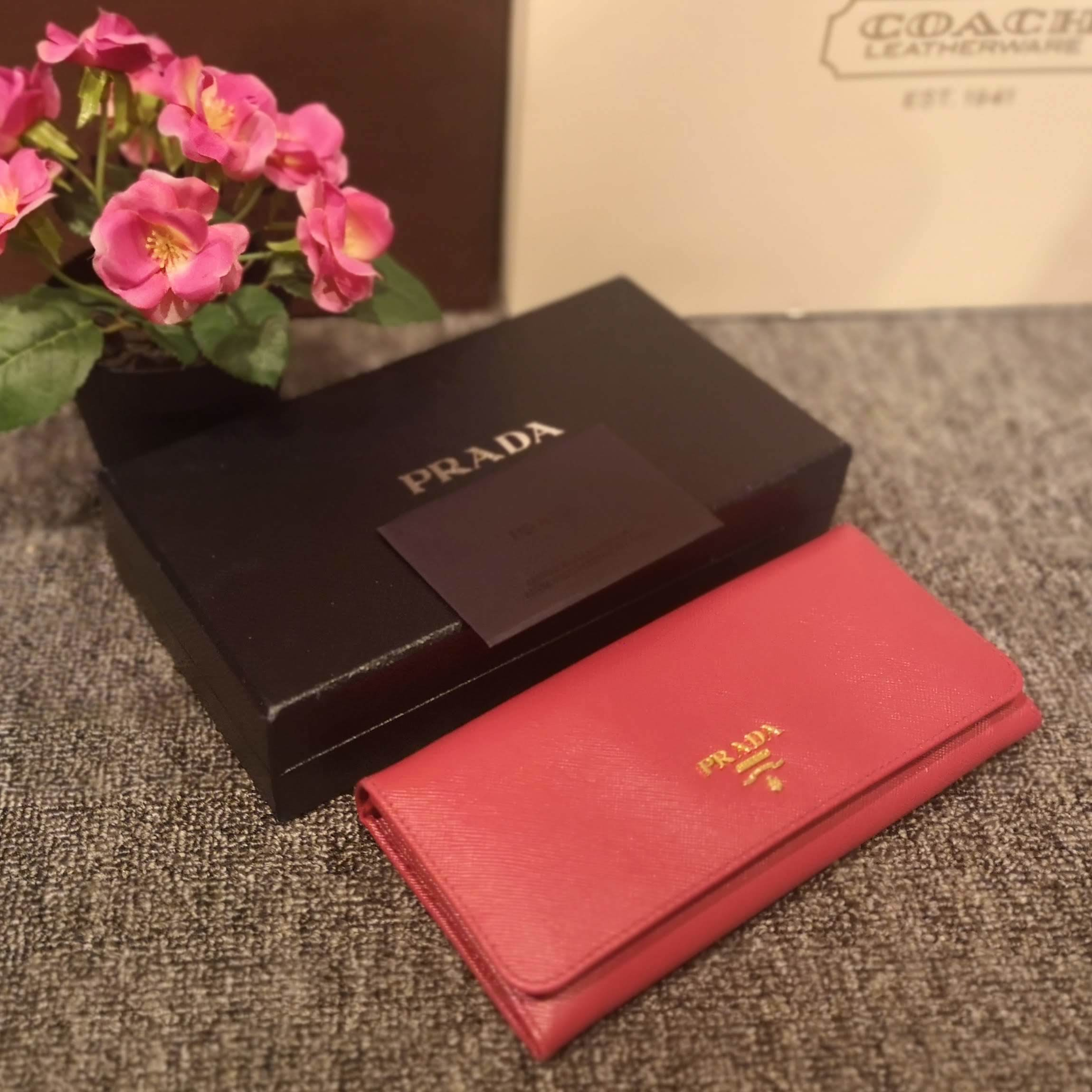 ccf621bcce0231 Home › Prada 1M1132 Saffiano Metal Flap Wallet (Peonia). jane2019 (11).jpg