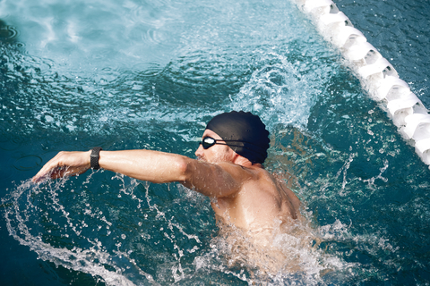 Fitbit_Charge_3_Lifestyle_Water_Resistant_2_1173.jpeg