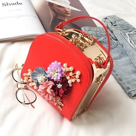B1106BOX-IDR.188.000-MATERIAL-PU-SIZE-L16XH17XW12CM-WEIGHT-800GR-COLOR-RED