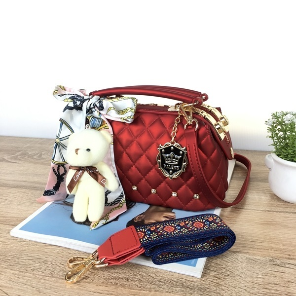BOM4723-IDR.128.000-MATERIAL-JELLY-SIZE-L22XH13X11CM-WEIGHT-850GR-COLOR-WINE.jpg