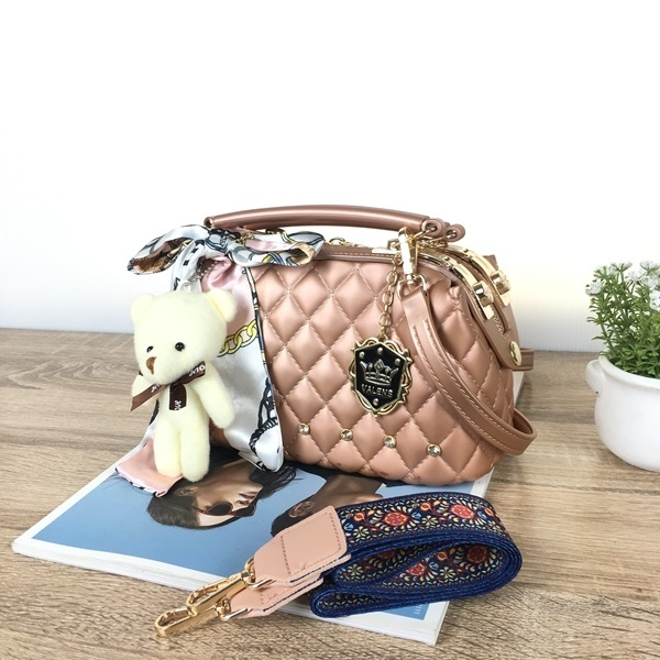 BOM4723-IDR.128.000-MATERIAL-JELLY-SIZE-L22XH13X11CM-WEIGHT-850GR-COLOR-PINKGOLD.jpg