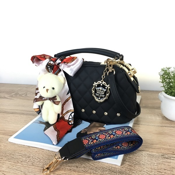 BOM4723-IDR.128.000-MATERIAL-JELLY-SIZE-L22XH13X11CM-WEIGHT-850GR-COLOR-BLACK.jpg