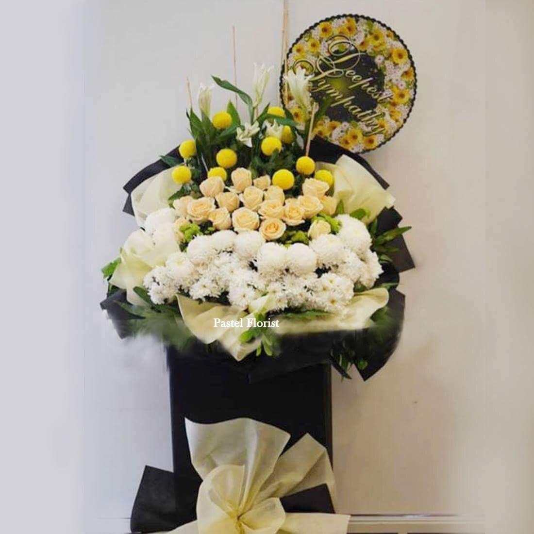 Condolences stand 19 pastel flower gifts flower bouquet condolences stand 19 izmirmasajfo