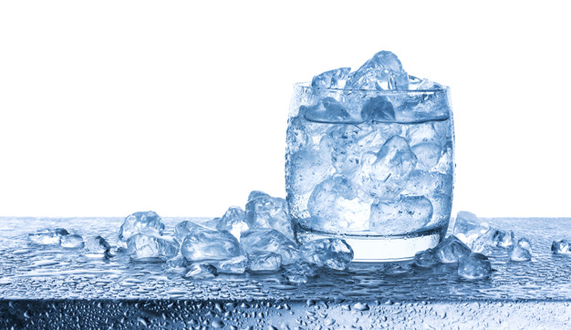 water-with-crushed-ice-cubes-glass-white-background_88281-79.jpg