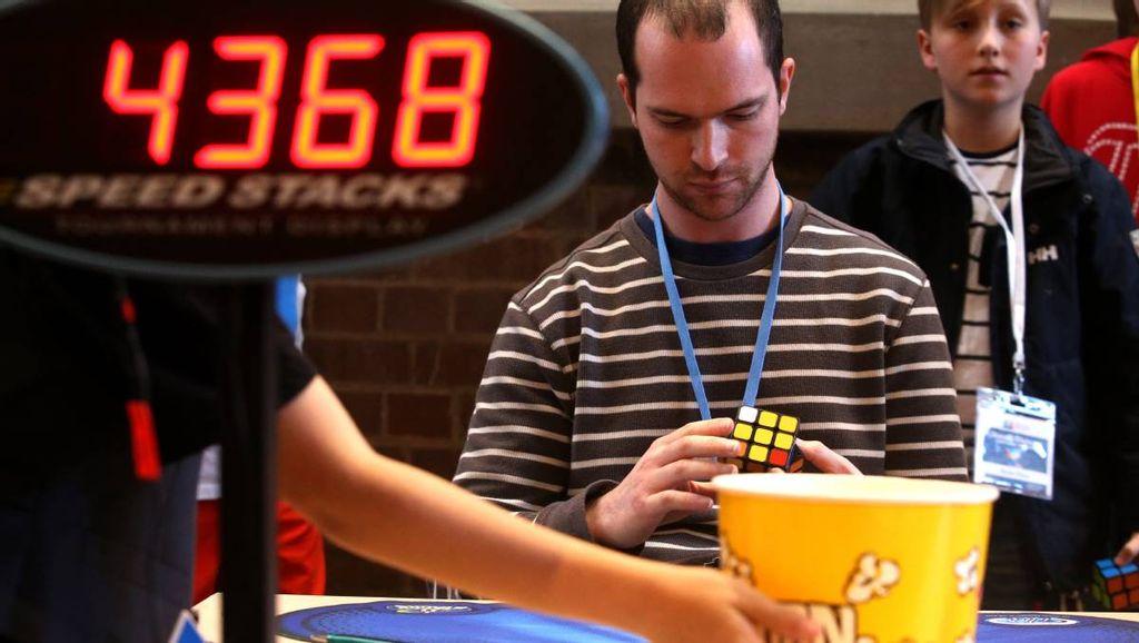 Tips and Tricks Lebih Cepat Dalam Menyelesaikan Rubik