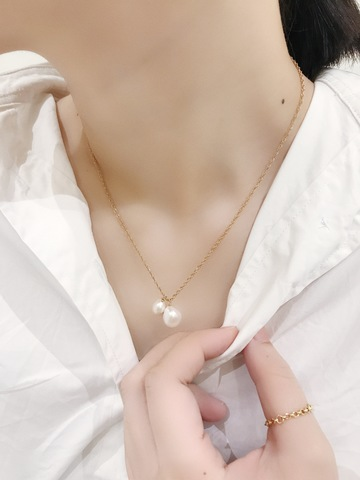 Two Pearl Necklace_02.jpg