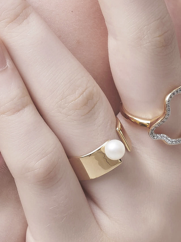 Open Gap Pearl Ring_002.jpg