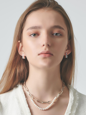 Short Pearl Silver Necklace.jpg