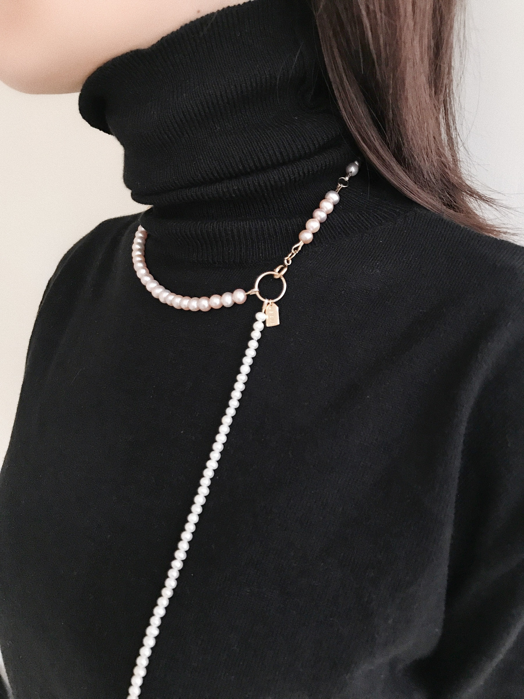 LESIS_Linked Pearl Long Necklace in Pink_04.jpg