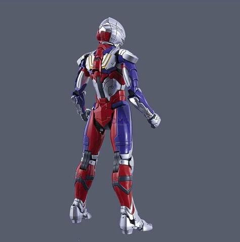 Bandai Figure-rise Standard Ultraman Suit Tiga 1.8.jpg