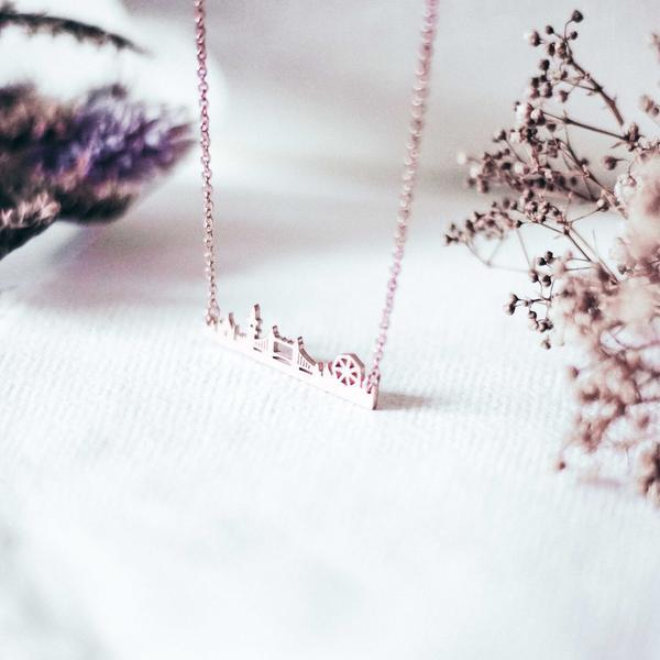 london-silhouette-necklace-