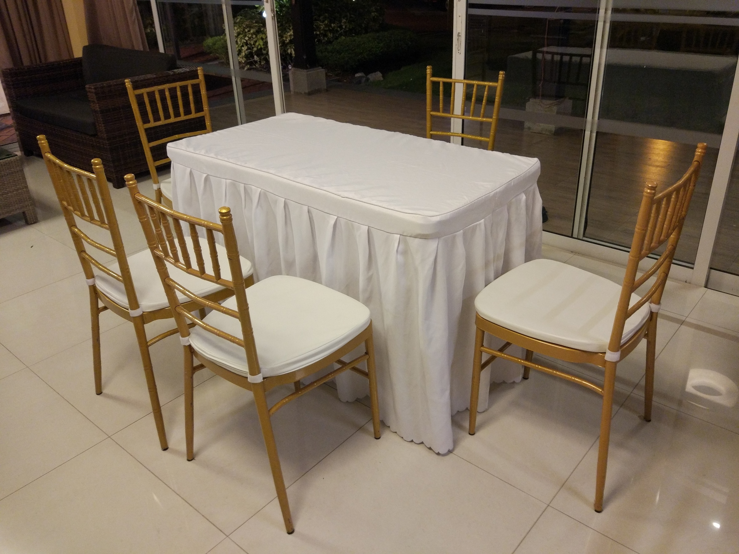 Rom table and chairs rental set b for Chair table rentals