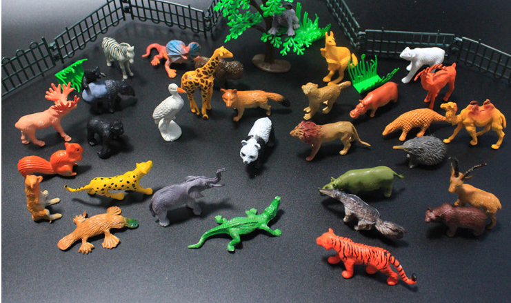 Miniature Animal Figurines 32pcs