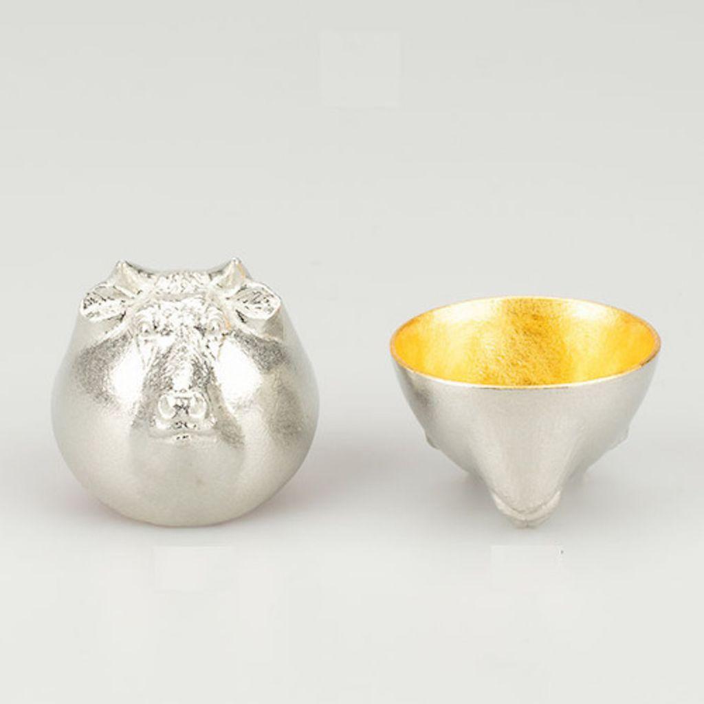 富山-能作nousaku-純錫貼金箔十二生肖造型杯彌月禮新生兒禮物-牛.jpeg