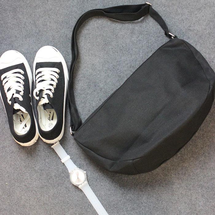 black sling bag.jpg