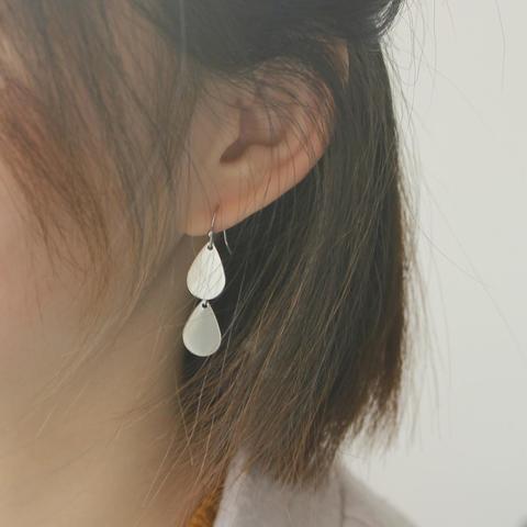 teardrop earring2.jpg