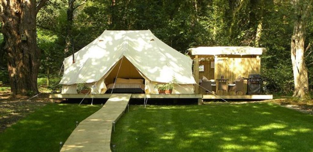 sibley_600_twin_pro_glamping_platform_outhouse.jpg