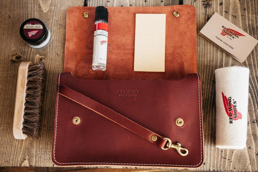 Red_Wing_Leather_Travel_Care_Kit_97093.jpg
