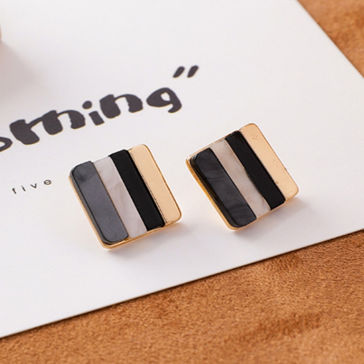 Square Stud Earrings.jpg