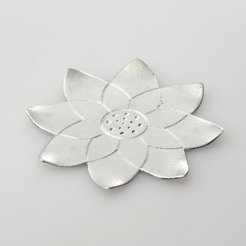501385_flowertray_lotus.jpg