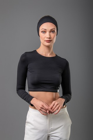 crop-top-round-neck-black2.jpg
