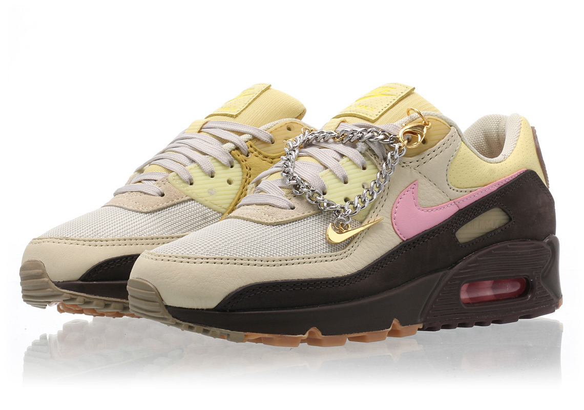 Nike Adds A Cuban Link Bracelet Hangtag To Women's Air Max 90 ...